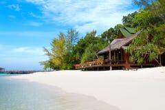 在一个热带海岛上的美丽的平房 库存图片