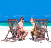 在一个热带海滩的夫妇。Tulum,墨西哥, 库存图片