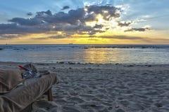 在一个热带海滩的日落- HDR 免版税库存图片