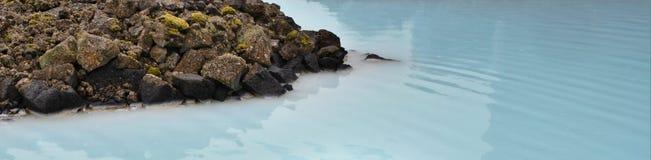 在一个热量温泉的乳状水在冰岛 库存照片