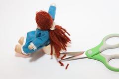 在一个玩偶的场面的特写镜头在理发以后的 库存图片
