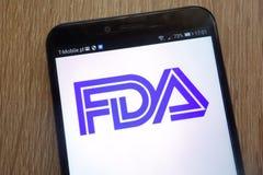 在一个现代智能手机显示的美国食品药品监督管理局商标 库存照片