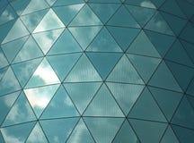 在一个现代结构的有角玻璃镜子金属 免版税库存图片
