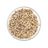 在一个玻璃碗的煮熟的奎奴亚藜种子 库存图片