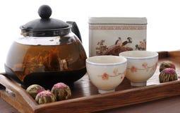 在一个玻璃茶壶的茶 免版税库存照片
