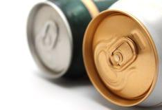 在白色背景的二个啤酒罐 免版税库存照片