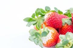 在一个白色背景的草莓 免版税库存图片