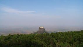 在一个石岩石的上面的堡垒 影视素材