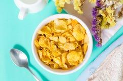在一个碗的玉米片吃的 库存照片