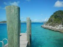 在一个离开的热带海岛上的船坞 库存照片
