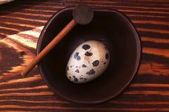 在一个空白背景的鹌鹑egg.isolated 免版税图库摄影