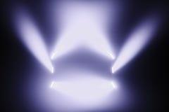 在一个空的阶段的斑点光 库存照片