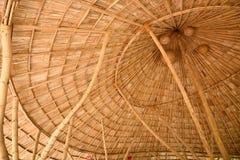 在一个竹木瓦屋顶里面 库存图片