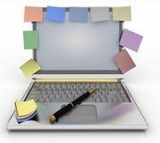 在一个笔记本的提示有堆的纸 免版税图库摄影