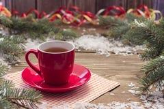 在一个红色圈子的茶 库存照片