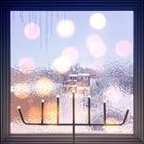 在一个结霜的窗口的光 免版税图库摄影