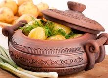 在一个罐的开胃土豆用茴香 图库摄影