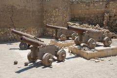 在一个罗马堡垒的老教规 库存图片