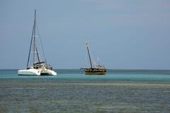 在一个美丽如画的海湾印度洋, Nosi的船是,马达加斯加 库存图片