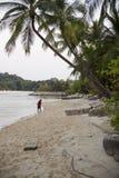 在一个美丽的海滩圣淘沙海岛上的晴天 免版税库存图片