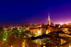 在一个老城市的塔的顶视图 免版税库存照片
