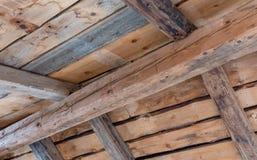 在一个老房子的木contruction 图库摄影