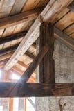 在一个老房子的木contruction 免版税库存图片