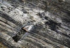 在一个老被风化的木板的抽象形状 库存照片