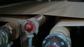 在一个老造纸厂的传动机 影视素材