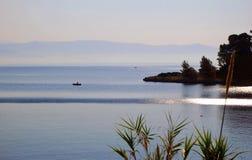 在一个老鼠海岛上的日落在科孚岛海岛上在希腊 库存照片