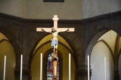 在一个著名教会里横渡,在奇维达莱德尔夫留利 库存图片