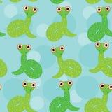 在一个蓝色背景无缝的样式的蛇 免版税图库摄影