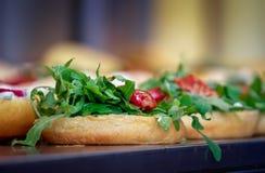 在一个街道食物节日的鲜美便当在斯德哥尔摩 免版税库存图片