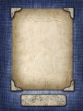 在一个被雕刻的框架的葡萄酒卡片在织品背景 免版税库存照片