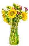 在一个透明花瓶的黄色向日葵,关闭,被隔绝,保险开关 图库摄影