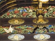 在一个门的美好的decoractive工作在Nijo城堡,京都 免版税图库摄影