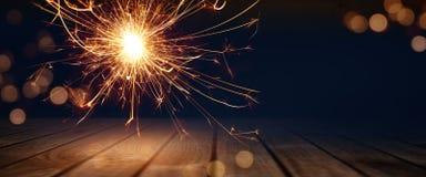 在一个阶段的不可思议的火花与bokeh 免版税库存图片