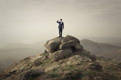 在一个陡峭的岩石 免版税库存图片