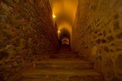 在一个隧道的台阶在琥珀色的堡垒,斋浦尔,印度 免版税图库摄影