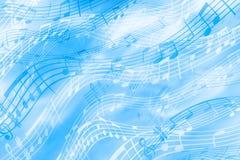 在一个音乐主题的快乐,蓝色背景与笔记的图象和梯级 彩带明亮的抽象背景  皇族释放例证