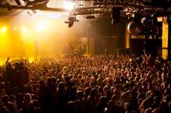 在一个音乐会的人群在活力 库存图片