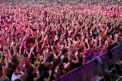 在一个音乐会的人群在Dcode节日 免版税图库摄影