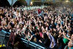 在一个音乐会的人群在Dcode节日 库存照片