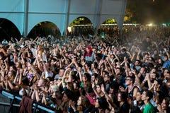 在一个音乐会的人群在Dcode节日 免版税库存图片
