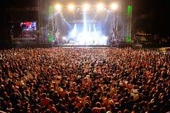 在一个音乐会的观众在Dcode节日 库存照片