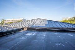 在一个高大厦的一个屋顶平台 库存照片