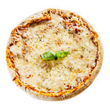 在一个鲜美意大利人Margherita薄饼的熔化乳酪 免版税库存照片