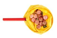 在一个黄色大袋的木小桶 免版税库存照片