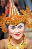 在一个经典全国巴厘语期间的女孩 库存图片