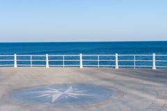 在一个晴天的海运视图 免版税库存图片